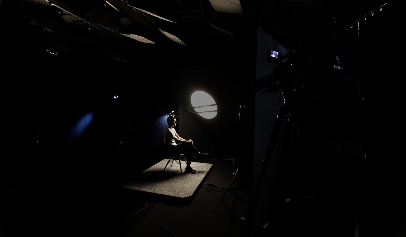 studio manly black